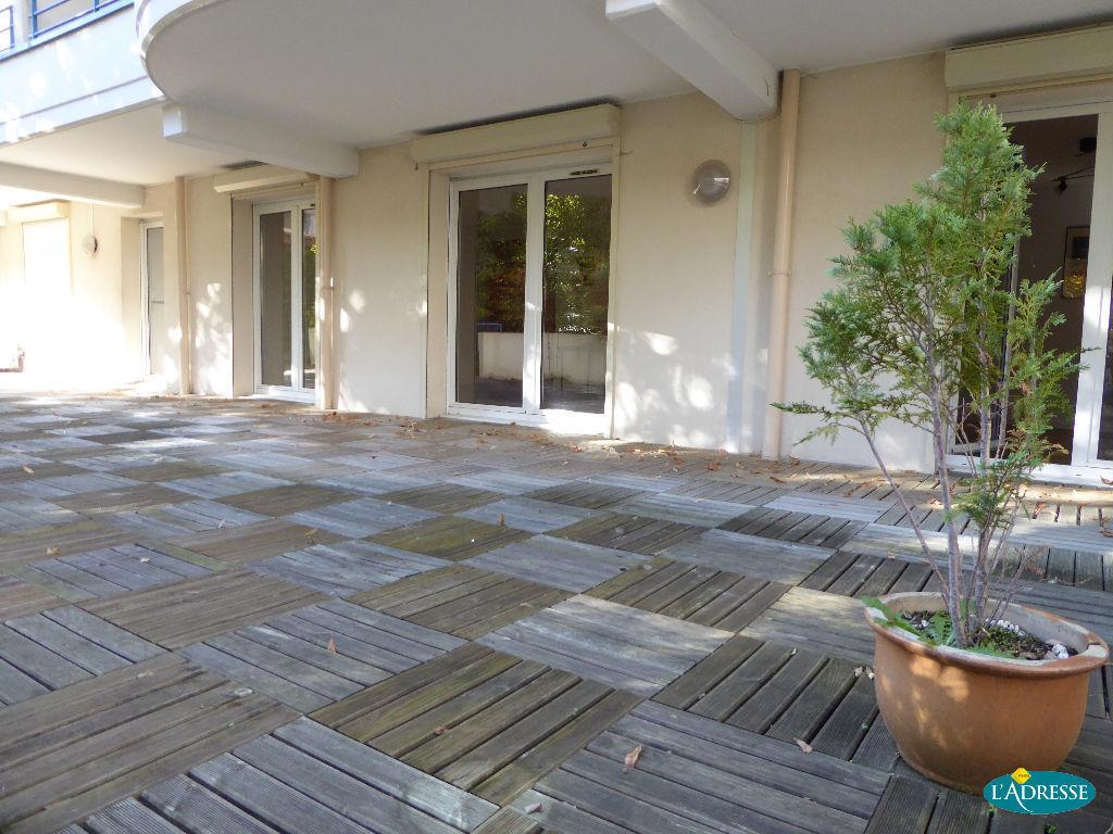 A vendre appartement nancy 119 m l 39 adresse agence foch for Appartement avec jardin nice