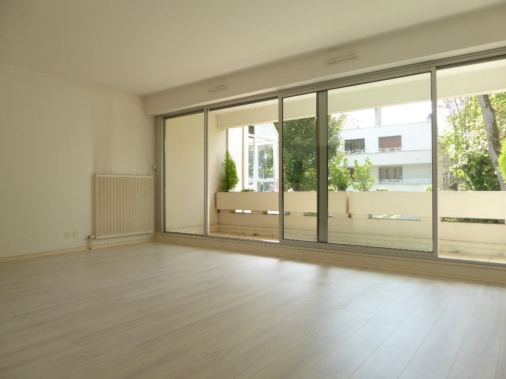 residence-de-standing-pour-cet-appartement-en-exclusivite