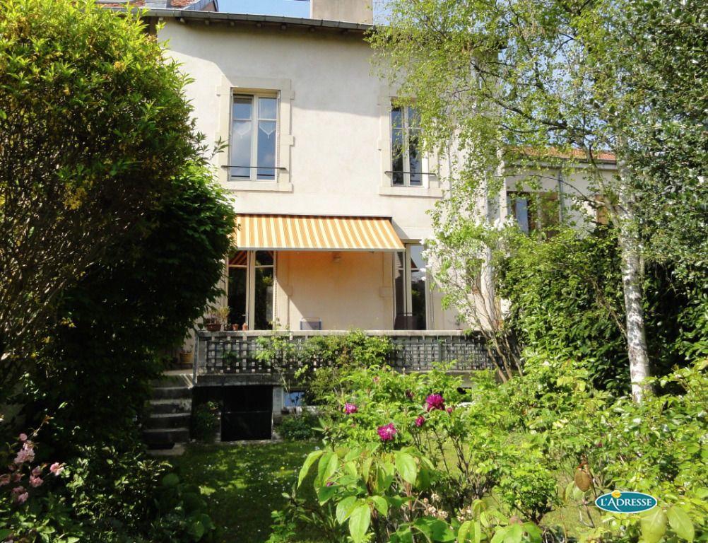 Affordable with maison nancy for Une autre maison nancy